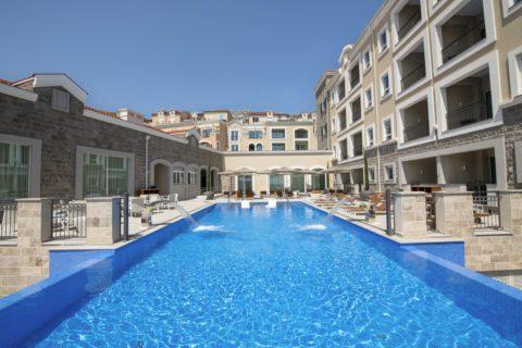 Chedi Hotel 01