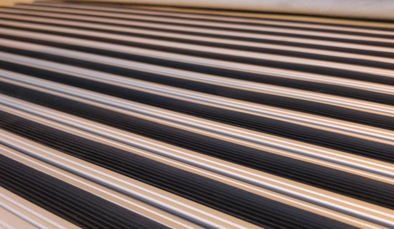Lajsne za keramiku Ukrasne lajsne za plocice Aluminijumske lajsne po meri Aluminijumske Lajsne Aluminijumske lajsne po meri Zavrsne alu lajsne L Lajsna L Lajsne Aluminijumske lajsne cena Aluminijum Aluminijum prodaja Aluminijumski dekorativni Profili Završni profili Proizvodi od aluminijuma Dizajn Zavrsni Radovi Zavrsni Radovi u gradjevinarstvu Otirac Aluminijumski otirac Ugradni otirac Podni otirac Otiraci za zgrade